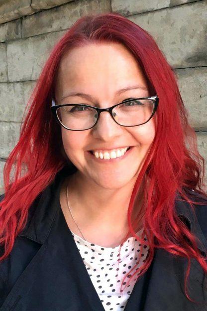 Susanne, grafisk designer och bokstavsillustratör